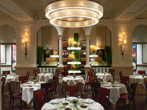 The dining room, which holds up to 150-seated guests, is stunning. (Photo by E. Laignel)
