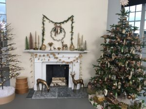 This Christmas tree is our Norwegian Spruce Pre-Lit  tree with 550 lights. It was inspired by a tree we decorated at our Westport television studio. It has a woodland theme with pinecones and acorns. We call it our Snowy Evergreen Collection. goo.gl/IhFO7a