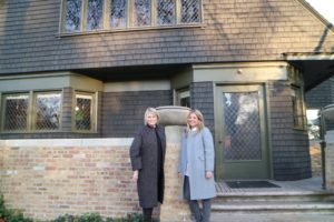 Here I am with our editor-in-chief of Living, Elizabeth Graves, outside the Frank Lloyd Wright Home and Studio. If you're in the Chicago area next spring, consider joining the Wright Plus Architectural Housewalk Tour of living spaces designed by Wright and his contemporaries. See more information about the housewalk on their web site. http://flwright.org/wrightplus