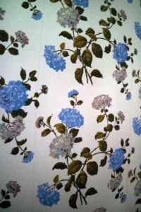 Here is a closer look of the detailed hydrangeas on the wallpaper.
