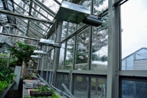 The span of windows helps to concentrate heat and sunshine to maximize plant growth.