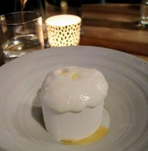 Here is our delicious dessert meringue, lemon curd, custard.