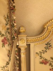 About eight-percent of the previous classical and Empire furniture and period paintings remain, and many glass chandeliers, damask curtains and embroidered bedheads were restored.