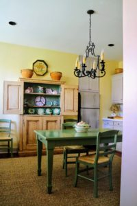 Here is the kitchen - so quaint and comfortable.