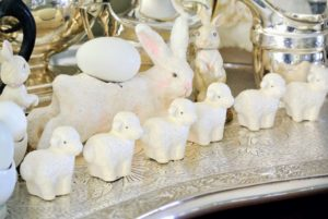 Bunnies, lambs and eggs - so pretty.