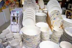 This is the Martha Stewart Painter's Garden Dinnerware Collection. These dishes feature whimsical watercolor effects and textured touches in fun, light colors. goo.gl/vSOUiv