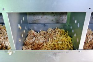I love knowing my hens are provided with clean, comfortable nests. Rolled metal edges prevent injury to the birds and easy to remove metal bottoms make it simple to keep the nests clean.