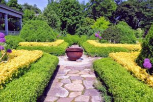 The students also loved the upper terrace parterre, especially this big pot - one of two huge cast iron sugar kettles I keep as fire pits at the farm. They add such a nice accent to the landscape and have always been fun conversation pieces during gatherings.