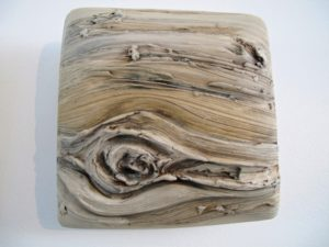 This one in particular caught my eye - it looks so natural - like a piece of faux bois.