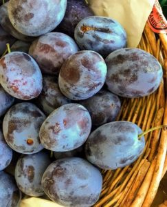 These are fresh blue plums in Italy. See more of Kevin's photos @seenbySharkey.