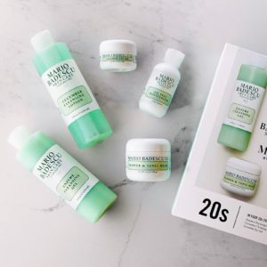 This 20s collection of signature Mario Badescu products helps to achieve and maintain a healthy, dewy glow. It includes an enzyme cleansing gel and cucumber cleansing lotion, a ceramide eye gel, an oil-free moisturizer, and a flower and tonic mask to keep the skin well-balanced.