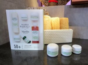 This kit contains all the wonderful and useful products to care for your skin in your 50s, 60s, 70s, 80s etc. This collection is designed to leave you with a more vibrant and youthful-looking complexion.