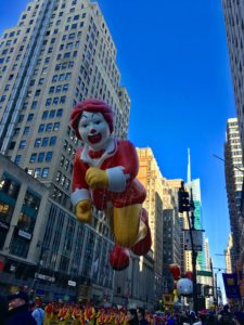 """""""Here come the balloons! That's Ronald McDonald!"""""""
