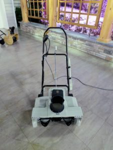 This snow thrower is ideal for clearing snow off larger driveways and walkways - no gas or oil needed. It also has LED headlamps for nighttime clearing and an all-steel auger that cuts a 22-inch by 13-inch path. It's perfect for the snow season ahead.