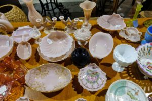 There are also many vintage dishes and other ceramics.
