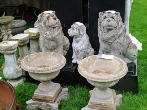 We also saw these planters and the canine trio made of stone – a nice choice for a garden. The two bigger dogs were bought soon after this photo was taken.