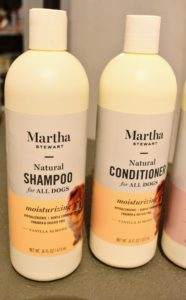My moisturizing shampoo and conditioner cleanse and intensely moisturize the dog's skin and coat. This formula is made with vanilla and almond.