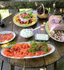 Here, we enjoyed Pat LaFreida's jambon-style ham, smoked salmon and delicious fresh fruit.