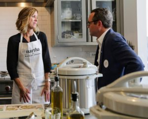 Here is Jennifer talking to Jeremy Kaplan, editor-in-chief of Digital Trends. It was so much fun to talk to everyone as they made their meals – they all commented on how fresh the ingredients were and how easy it was to follow the recipes. Just cut and prepare as the instructions say – no planning or shopping, so much of the work is already done by the time the food arrives at home. (Photo by Laura Manzano)