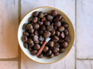 Of course, I also served a bowl of roasted chestnuts.