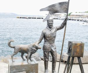 We saw several statues along Hobart Harbor. This is one of two bronze pieces by longtime resident, Stephen Walker. It is called Bernacchi Tribute (2002).