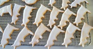 These little rabbit cookies were dipped in royal icing and then left as is.