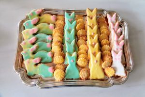 You can also combine colors to make a tie-dye effect, like the rabbit cookies on the left. The tiny round cookies were made using the leftover dough.