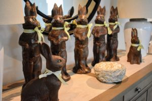 These wonderful faux chocolate rabbits are perfect for Easter. Also available on QVC, you can get several and line them up on the mantel. The idea for these was developed after I painted plastic rabbits a dark chocolate brown - they look so good, you just want to take a bite.