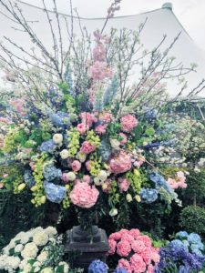 Beautiful floral displays were provided by Andrew Pascoe Flowers, Ltd. in Oyster Bay, New York.