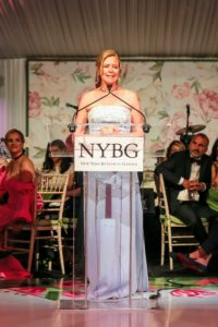 Here is Chairman Emerita, Maureen Chilton, as she took to the podium to thank everyone for celebrating her nine-years of service as Chairman of the NYBG Board. (Photo by Angela Pham/BFA)