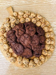 Milk chocolate cookies were placed in the center of every board. On this board, we also served banana walnut chocolate chunk cookies.