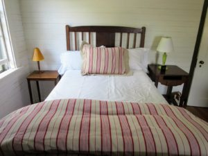 In the bedroom next door, white sheets are used instead of pink - I always choose bedding that is comfortable and practical.