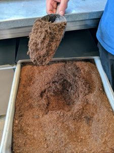 Use a potting mix that is very light and porous and contains peat moss, vermiculite, and perlite in equal parts. A quality mix will enhance aeration, while keeping the soil moist, but not soggy.