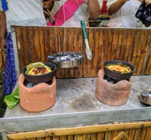 In this area, fresh cooked bibingka - a type of baked rice cake. It is usually eaten for breakfast, especially during the Christmas season. It is traditionally cooked in clay pots.