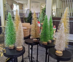 These charming Oversized Bottle Brush trees come in sets of three. I love these trees - use them as centerpieces on your dining table or on matching tables in your living room.