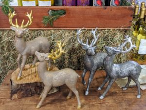 My handsome deer also come in tabletop size with a metallic finish and fur-like texture.