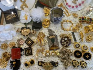 We also saw lots of vintage jewelry.