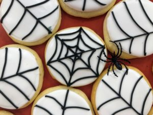 I love these Halloween Spiderweb Cookies – perfect for all your little trick-or-treaters. I showed everyone my trick for dipping, dripping, drying and decorating - it makes perfect cookies every time.