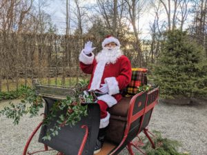 And here he is, the jolly ol' man himself – Santa Claus. Santa, played by Fernando Ferrari, wished everyone a Merry Christmas as they walked from house to house.