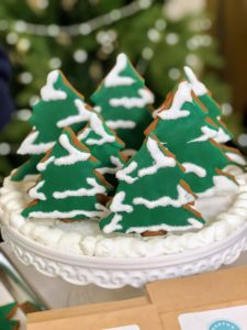 We also iced these Gingerbread Trees. Not only are the cookies easy to make, but all your holiday guests will love them displayed on a cake stand, also available on Amazon.
