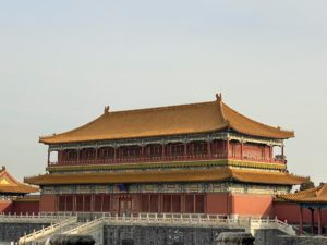 As for the roofs, they are made of yellow glazed tiles for the most important pavilions, with the yellow being the color of the emperor. Yellow and red were the two colors of the Chinese Empire.
