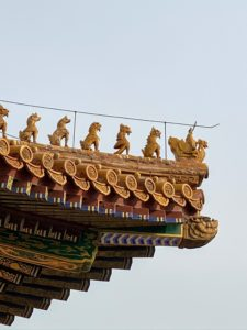 I loved all the little animals on the building eaves - I wanted to bring some back with me. The highest level of roofing is reached by the Supreme Harmony Pavilion. It has 10 mythical animals at each of its angles, which shows the superiority of those who are sheltered there. Among them are a phoenix, a lion, a celestial horse and a sea horse, Suanni the dragon-lion, the dragon-kiss, Yayu the dragon-fish, Douniu the bull and Xingshi, the monkey. The number of animals on the roof shows the seniority of the building, which in turn referred to the seniority of the owner. The greater the number, the higher the position.