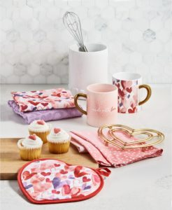 My Martha Stewart Collection at Macy's always includes great items for the holidays. If your loved one enjoys cooking, check out my heartfelt selection of mugs, textiles and kitchen tools.