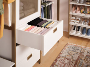 Everyone loves soft-close drawers. These drawers offer this feature and can also be pulled out completely for easy access - no more digging blindly.