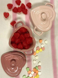 Surprise loved ones by filling them with candies or using them to serve individual entrées or desserts. And each one has a matching lid.