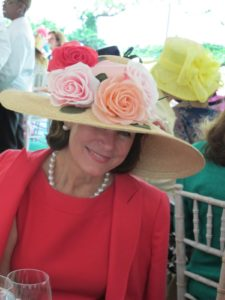 A better view of Virginia's rose topped hat