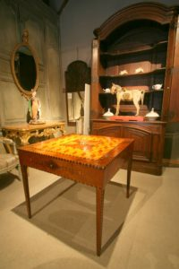 A stunning game table