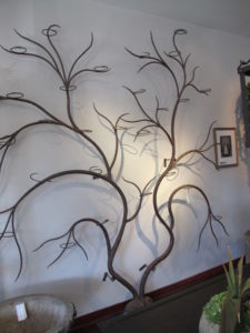 A better look at the tree plant stand - it has a long provenance and is very, very lovely - it was priced at $15,000!!!!