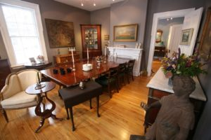 The rooms have lots of light and are painted with great colors.  The dining table is a Duncan Phyfe design, one of 19th century America's leading furniture makers.
