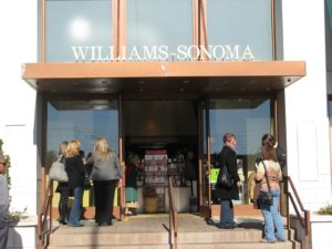 The entrance to Williams-Sonoma at Rampart Commons